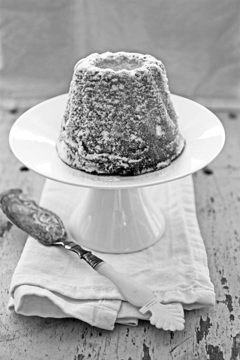 Gugelhupf, mini, Etagere, antik, Messer. © Copyright Bettina Katscher 2020