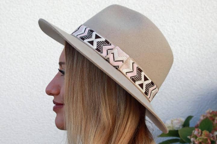 Hut mit Indiomuster, Damenhut mit Krempe mit Ethnomuster. © Copyright Bettina Katscher 2020