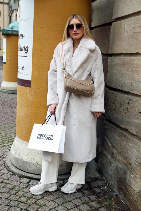 Fashion Musthave für 2021: Teddy Coat und Cremetöne