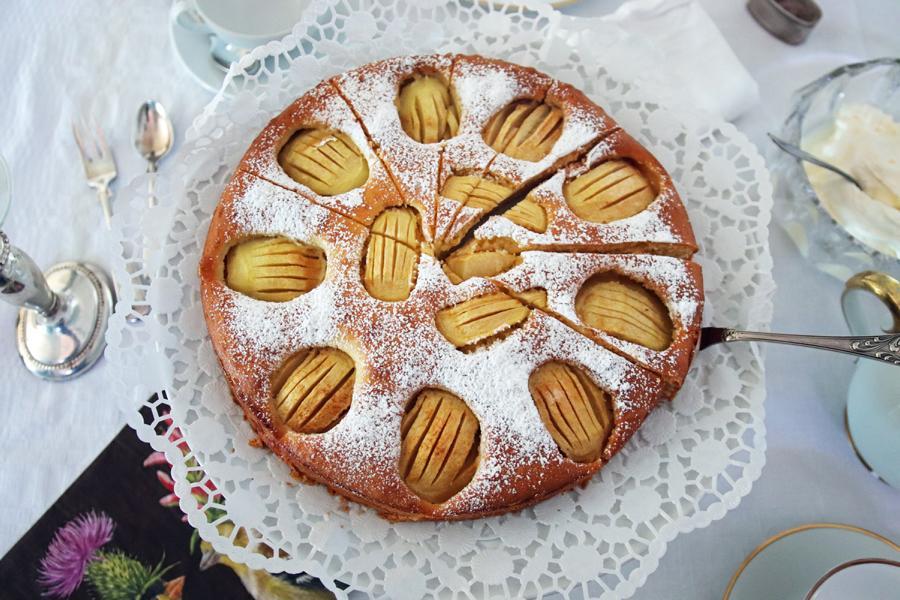 Feiner Universal-Apfelkuchen, der 100-prozentig immer heiß begehrt ist!